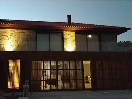 Habitação Unifamiliar Casa Cabórnegas: Casas unifamilares  por Em Paralelo