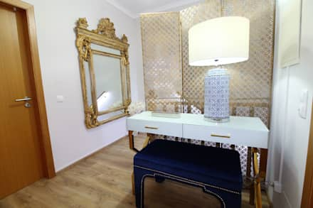 Casa Algarve -Romantic CHIC: Corredores e halls de entrada  por Atelier  Ana Leonor Rocha