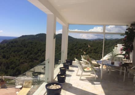 Chalets de estilo  por CW Group - Luxury Villas Ibiza