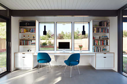 office in house. Mid-Mod Eichler Addition Remodel By Klopf Architecture: Modern Study/office Office In House