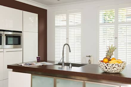 Kitchen Shutters: classic Kitchen by S:CRAFT