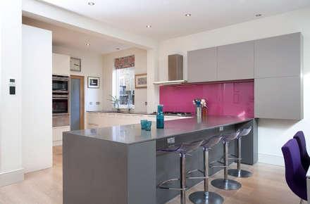 Melville Road SW13: Minimalistic Kitchen By Kuche Design