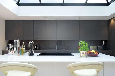 Elegant 45 St Michaels: Minimalistic Kitchen By Kuche Design Amazing Pictures