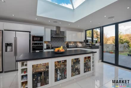 Heathrow West House Rear Extension And Refurbishment: modern Kitchen by The Market Design & Build