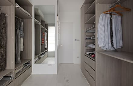 minimalistic Dressing room by 禾光室內裝修設計 ─ Her Guang Design