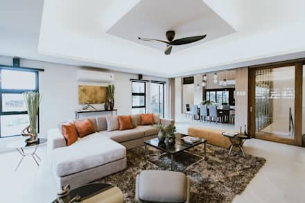 MG House: Modern Living Room By Living Innovations Design Unlimited, Inc.