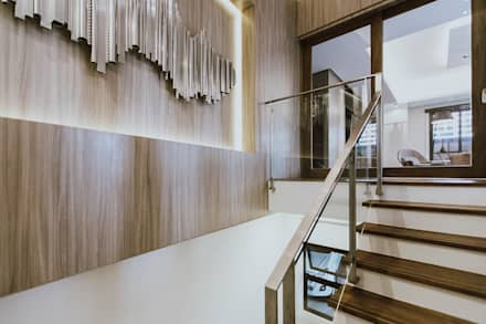 MG House:  Stairs by Living Innovations Design Unlimited, Inc.