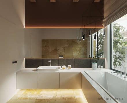 : minimalistische Badezimmer von Tobi Architects
