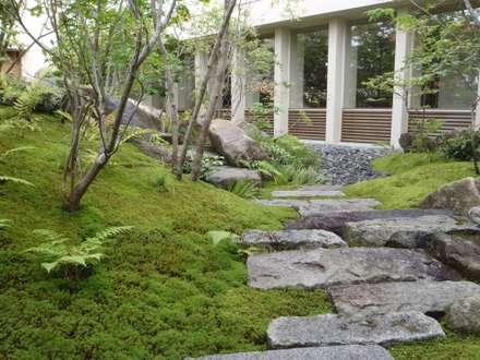 安養寺客殿庭園 六郷の集会所: 庭良が手掛けた庭です。