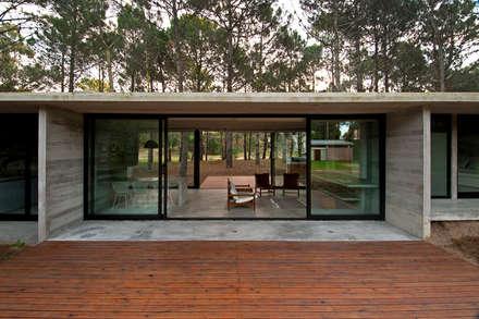 CASAS EN BLOQUES DE HORMIGÓN ¡¡¡¡¡¡ CON CRÉDITO DIRECTO !!!!!!!: Casas de estilo mediterraneo por green planet