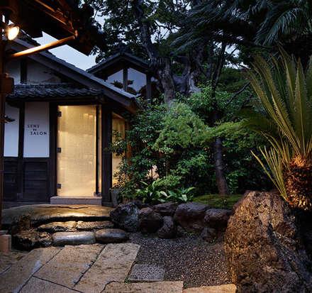 EXEX Garden Daikanyashiki / Zen Garden: Jardines japoneses de estilo  de Kisuna Garden