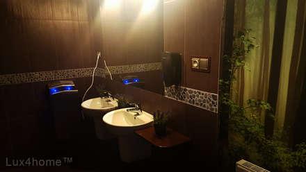 Grey pebble border - Grey pebble tiles border: country Bathroom by Lux4home™ Indonesia