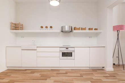 Fotografía Interiores: Cocinas integrales de estilo  de CABALLERO Fotografía de Arquitectura, Inmobiliaria e Interiorismo
