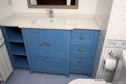 Mueble para lavabo : Baños de estilo ecléctico de Adrados taller de ebanistería