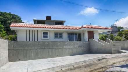 駐車場: 株式会社青空設計が手掛けた一戸建て住宅です。