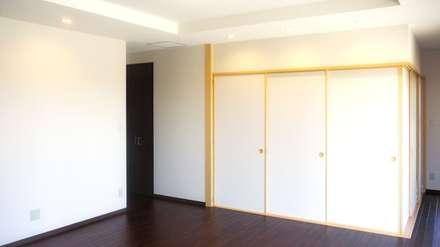DKから和室: 株式会社青空設計が手掛けたリビングです。