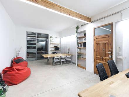 Entrada: Estudios y despachos de estilo mediterráneo de Eseiesa Arquitectos