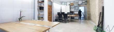 Estudio: Estudios y despachos de estilo mediterráneo de Eseiesa Arquitectos