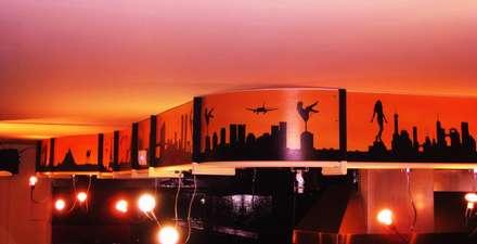 Decorazione Pub/birreria: Pareti in stile  di palazzoloarte
