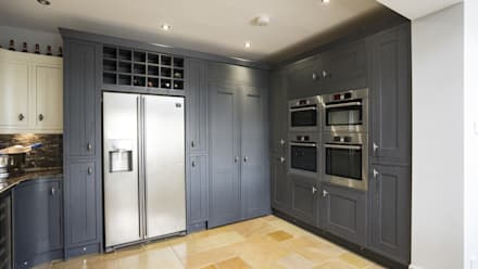 Timber Inframe shaker kitchen Ormskirk, Liverpool:  Built-in kitchens by Cleveland Kitchens