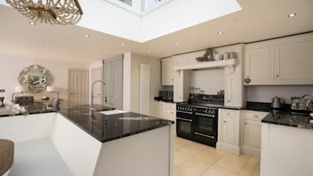 Timber Kitchen Aintree:  Built-in kitchens by Cleveland Kitchens