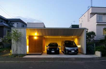 Nhà để xe/Nhà kho by 株式会社 ATELIER O2