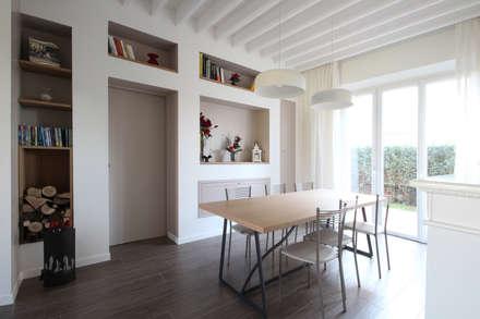 Sala da Pranzo Country Chic Moderno: Sala da pranzo in stile In stile Country di JFD - Juri Favilli Design