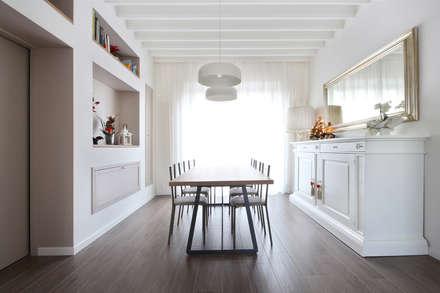 Arredamento Sala Pranzo Country Chic: Sala da pranzo in stile In stile Country di JFD - Juri Favilli Design