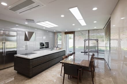 향한리주택: 건축사 사무소 YEHA의  다이닝 룸