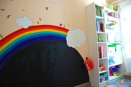 Casa Vega y Mateo: Dormitorios infantiles de estilo moderno de Las Casas de Iridella