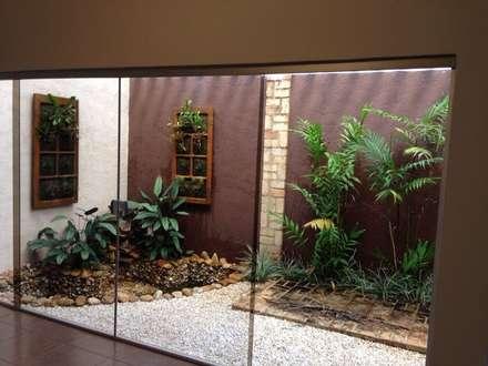 tropical Conservatory by Luzia Benites - Arquiteta Paisagista