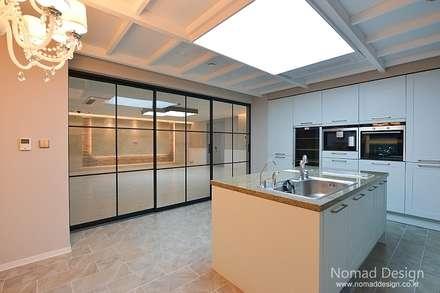66평 강서구 엘크루블루오션 - 부산: 노마드디자인 / Nomad design의  주방