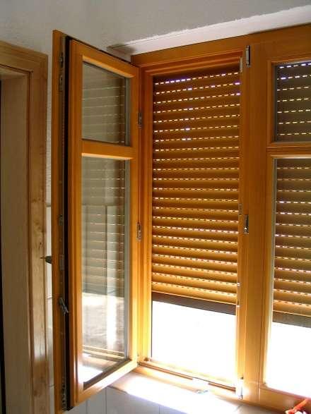 Ventanas de madera de estilo  por SCHOß INGENIEUR GmbH