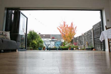 Garden View:  Doors by dwell design