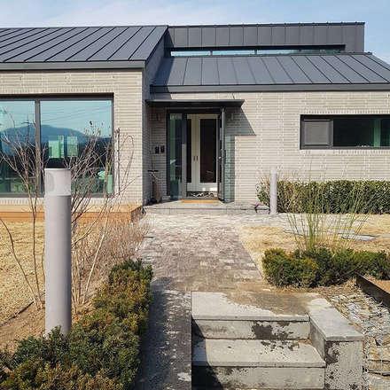 파주주택: 아키프레임 ArchiFrame Architect의  주택