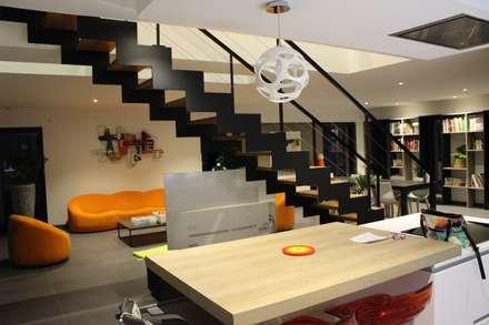 Cadre Urbain: Escaliers de style  par AM architecture