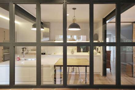 Nhà bếp by Abrils Studio