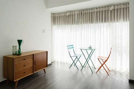 Đồ nội thất mang nét hiện đại, thanh lịch.:  Cửa sổ by Công ty TNHH Xây Dựng TM DV Song Phát