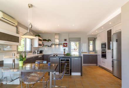 Nhà bếp by Home & Haus | Home Staging & Fotografía
