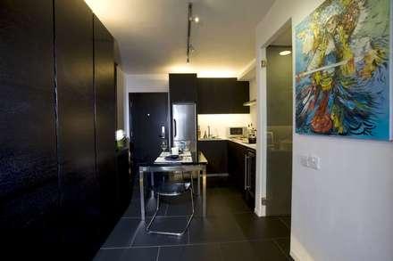 Healthy Garden: modern Dining room by Clifton Leung Design Workshop