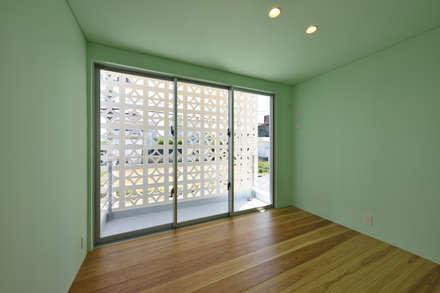 2階子供室: プラソ建築設計事務所が手掛けた女の子部屋です。