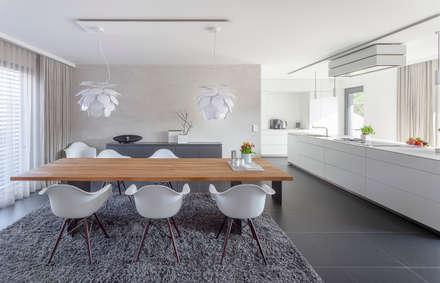 Essen - Küche: moderne Esszimmer von habes-architektur