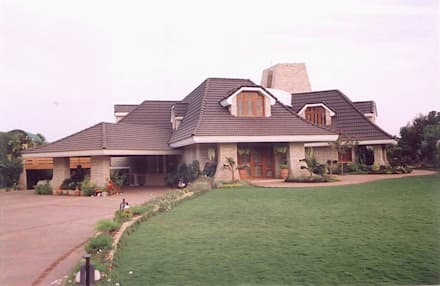 Bungalows by Sunil Patil & Associates