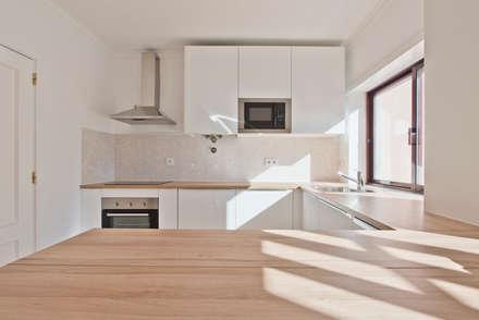 وحدات مطبخ تنفيذ menta, creative architecture