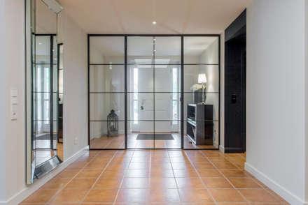industrielles Trennwandelement :  Flur & Diele von Ohlde Interior Design
