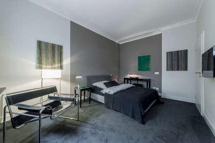 Schlaf- und Wohnbereich: klassische Schlafzimmer von Ohlde Interior Design
