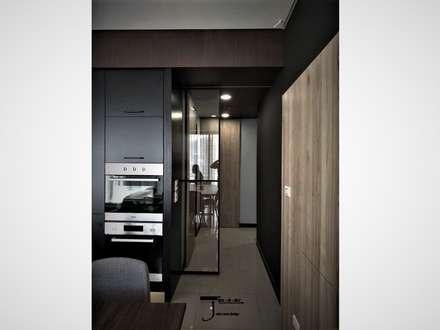 岩顏日和的58。角屋-:  走廊 & 玄關 by 喬克諾空間設計