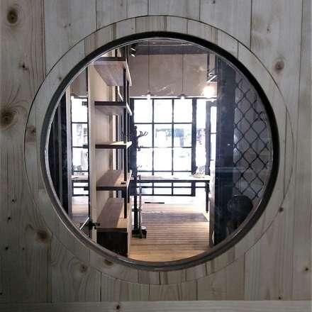 Ventanas de estilo  por 喬克諾空間設計