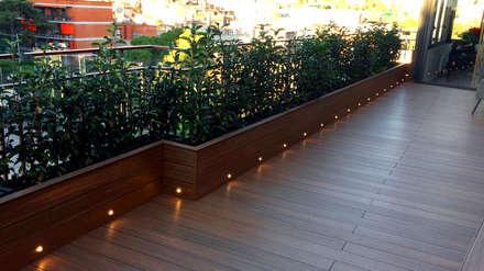 Atico Horta-Guinardó Barcelona: Terrazas de estilo  de ecojardí