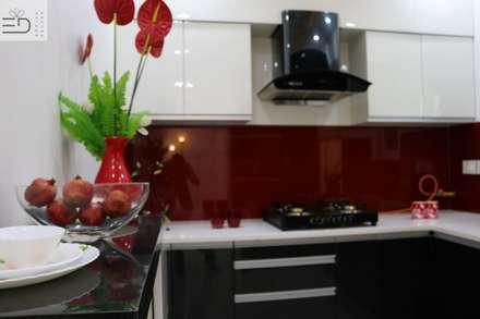 Cucinino in stile  di Enrich Interiors & Decors